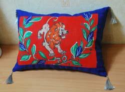Подушка с батиком