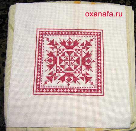 Готовая вышивка крестом для подушки