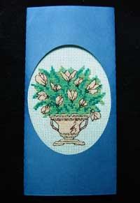 Открытка ручной работы с вышивкой крестом