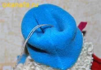 Пришивание шапки снеговика