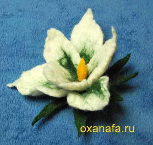 Мастер класс по мокрому валянию из шерсти цветка на примере лилии.
