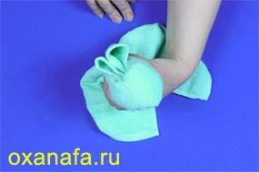 формирование зайца из полотенца