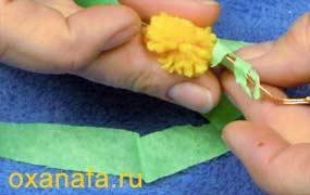 обмотка ветки мимозы гофрированной лентой