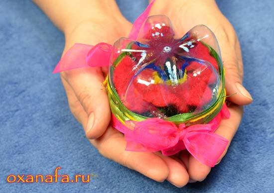 Подарочная коробочка из пластиковых бутылок своими руками