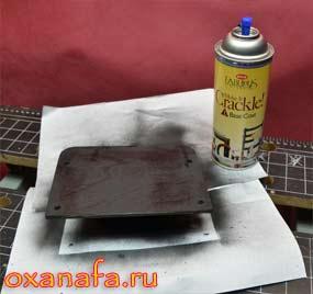 базовая покраска покрытия Crackle самодельной полочки